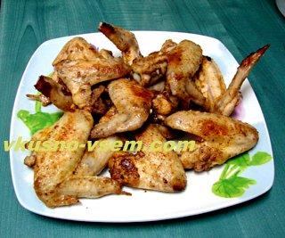 Как приготовить куриные крылышки на сковороде