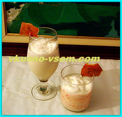 Молочно-гранатовый коктейль