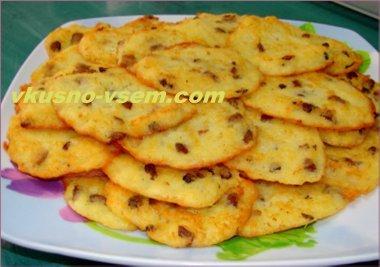 Картофельные оладьи с колбасой
