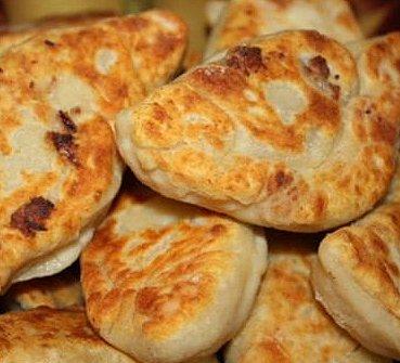 Пироги картофельные с селёдкой