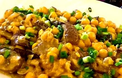 Нут с грибами и плавленым сыром