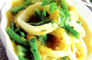 Тушеный картофель с кальмарами