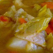 Картофельный суп с айвой