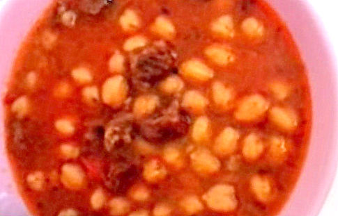 Суп с нутом и деревенскими колбасками