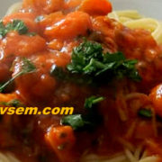 Креветки с макаронами в томатно-сливочном соусе