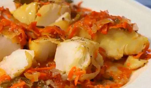Треска с пекинской капустой под сырной корочкой